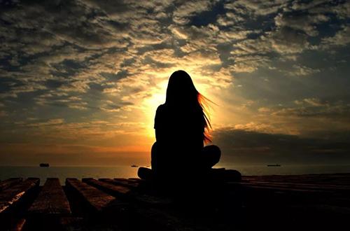 痛过之后就不会觉得痛了,有的只会是一颗冷漠的心